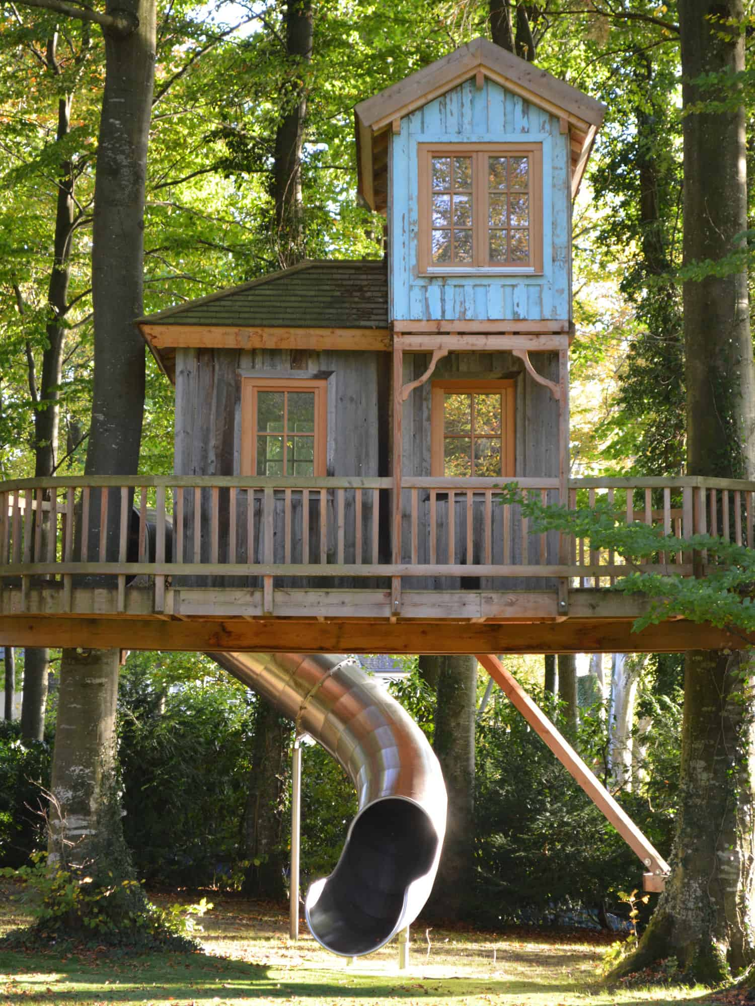 huge-double-storey-professional-treehouse-with-slide