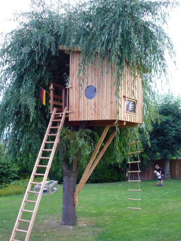 small treehouse for children
