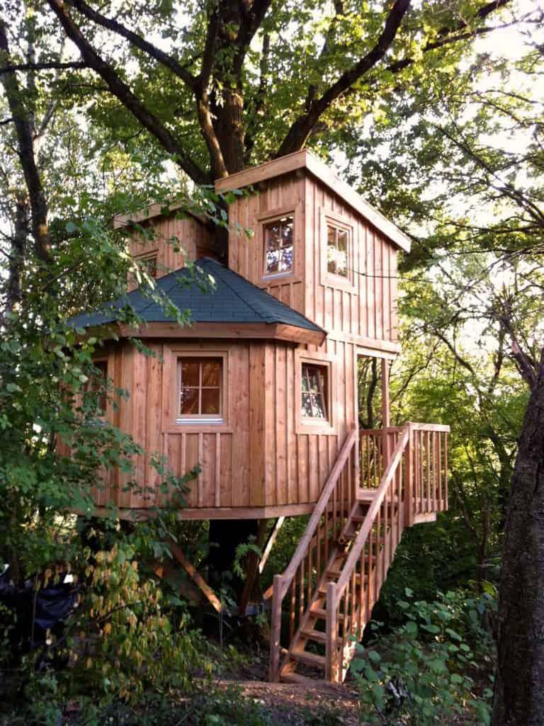 nice-hidden-treehouse-768x1025