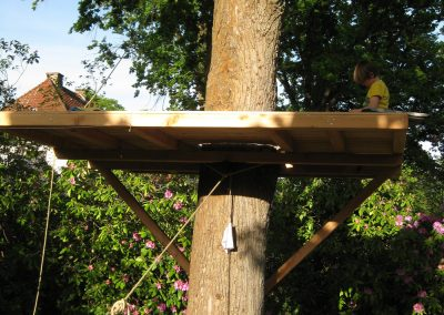 Do-it-yourself-treehouse-for-kids-backyard-customer-project-claudia-m-(4)