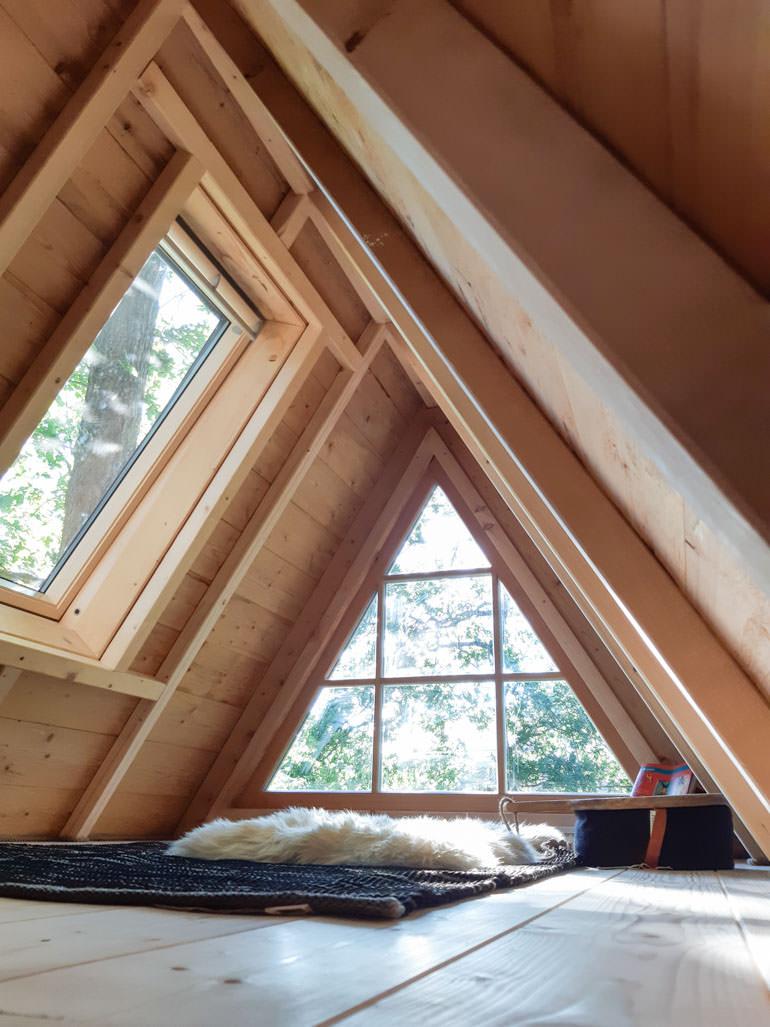 Beispiel schönes Baumhaus Design Innen Loft