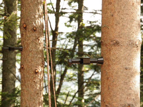 application example tree screw for treehouse mounted in living tree