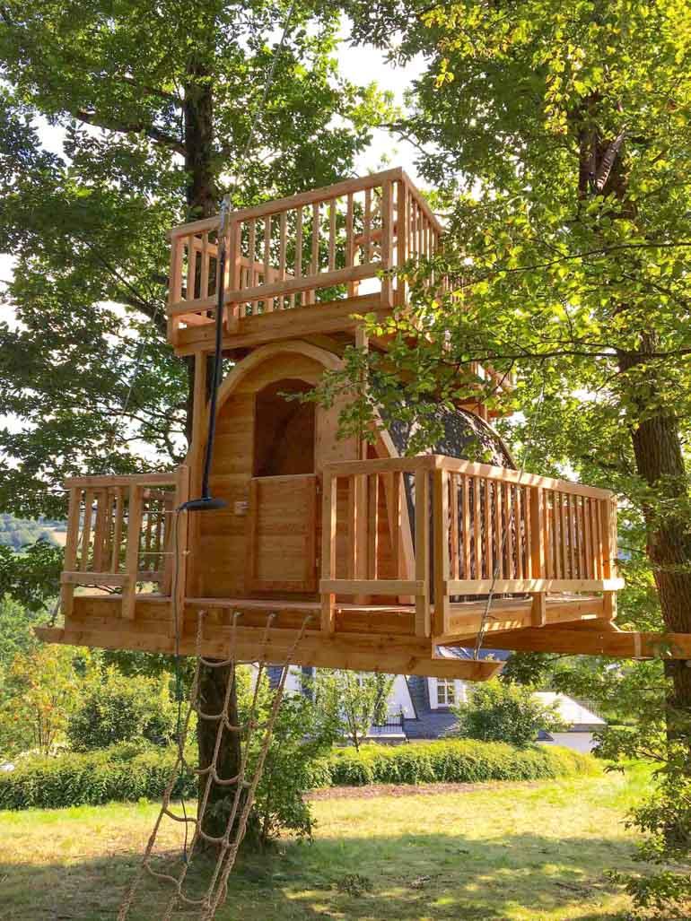 Baumhaus ohne Schrauben und Nägel befestigen