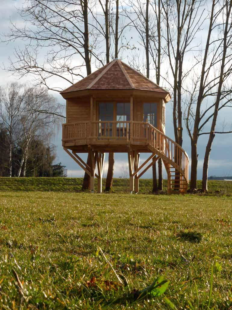 Stelzen Baumhaus auf Holzstützen