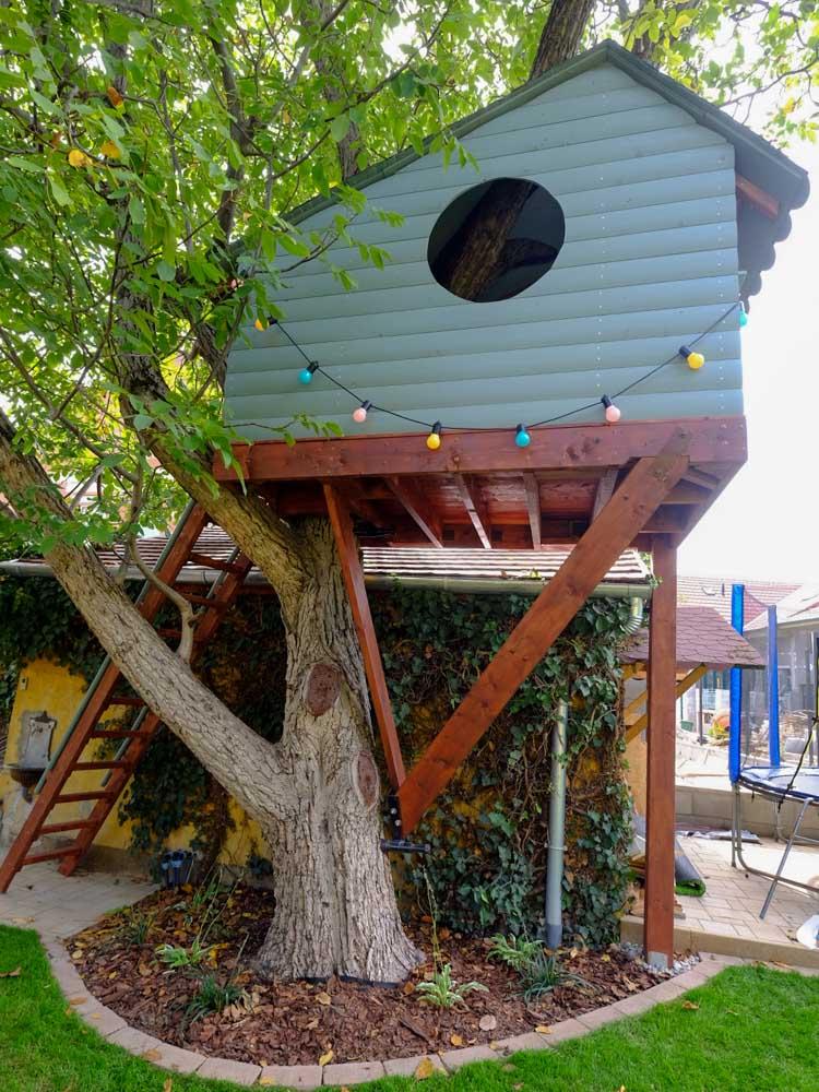 Kleines Kinder Baumhaus Mini Versteck im Baum Kosten