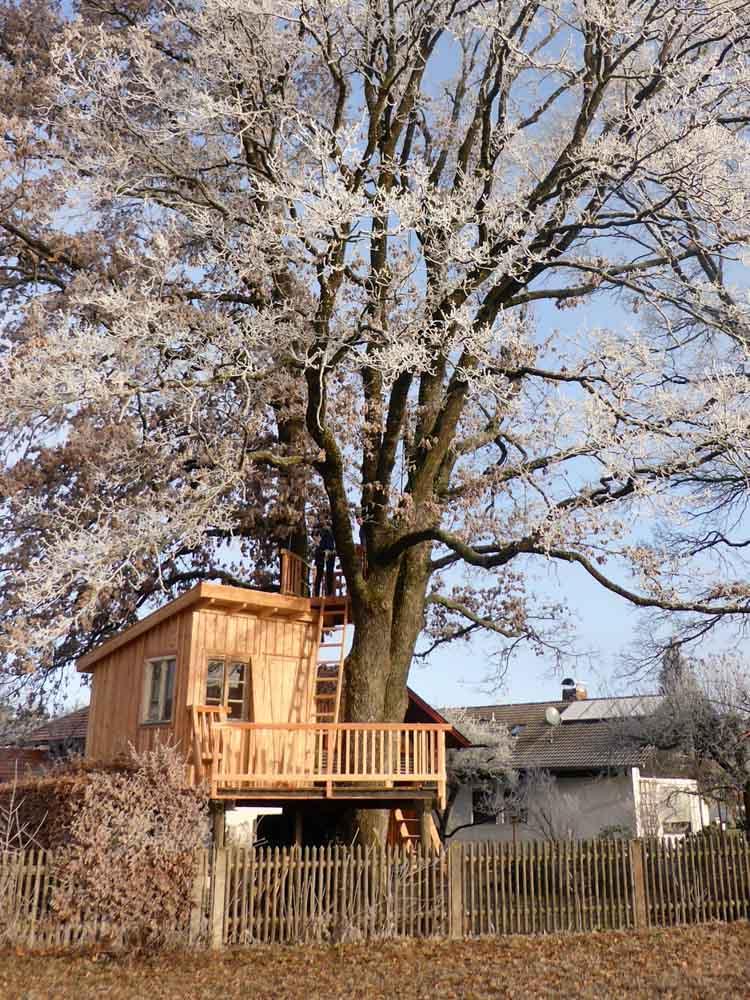 Beispiel Baumhaus selber bauen zum Wohnen gedämmt Kosten