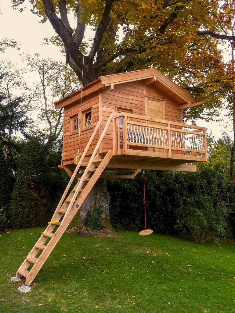 Baumhaus mit Stahlseil und TAB verankert